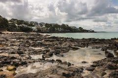 Praia de Milford no clima de tempestade Fotografia de Stock