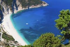 Praia de Mirtos no console de Kefalonia Imagem de Stock