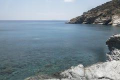 Praia de Mouros das praias virgens da ilha de Amorgos, um do mais bonitos das ilhas de Cyclades imagem de stock royalty free