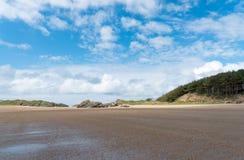Praia de Newborough Fotos de Stock Royalty Free