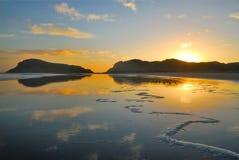 Praia de Nova Zelândia foto de stock royalty free
