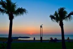 Praia de Okinawa Island da opinião do por do sol foto de stock royalty free