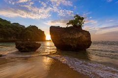 Praia de Padang Padang em Bali Indonésia foto de stock