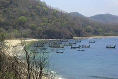 Praia de Papuma do barco de pesca Fotografia de Stock Royalty Free