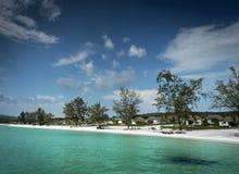 Praia de Paradise na ilha do rong do koh perto da costa de sihanoukville cambodia fotografia de stock