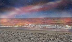 Praia de Paradise na noite foto de stock