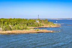 Praia de pedra, parque de Pihlajasaari, Helsínquia, Finlandia Fotos de Stock