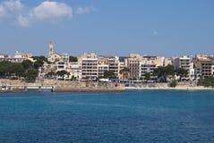 Praia de Porto Cristo e centro de cidade, Majorca islan Imagens de Stock