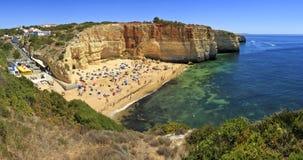 Praia de Praia de Benagil na costa atlântica, o Algarve, Portugal Imagem de Stock Royalty Free