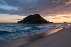 Praia de Recreio pelo por do sol foto de stock royalty free