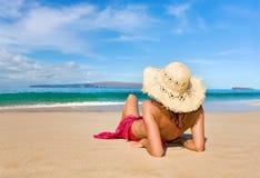 Praia de relaxamento Foto de Stock Royalty Free