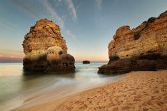 Praia de São Rafael, o Algarve, Portugal fotografia de stock