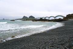 Praia de Sanxiantai no dia nebuloso Fotografia de Stock Royalty Free