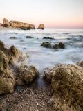 Praia de Sao Rafael Sao Rafael strand i den Algarve regionen, Portug Royaltyfria Foton