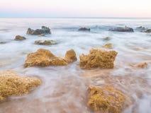 Praia de Sao Rafael Sao Rafael strand i den Algarve regionen, Portug Fotografering för Bildbyråer