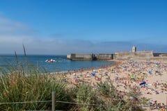 Praia de Torre em Oeiras, Portugal imagem de stock