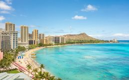Praia de Waikiki e cabeça do diamante Fotografia de Stock