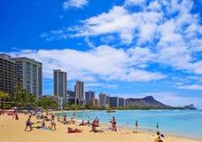 Praia de Waikiki e cabeça do diamante Imagens de Stock