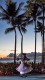 Praia de Waikiki, Honolulu, ilha de Oahu, Havaí - 27 de setembro de 2017 imagens de stock