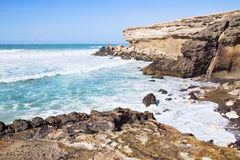 Praia descascada La na costa oeste sul de Fuerteventura Fotos de Stock Royalty Free