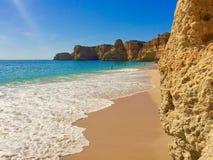 Praia a Dinamarca Marinha, o Algarve Foto de Stock Royalty Free