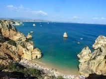 Praia do Algarve em Portugal fotografia de stock