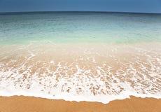 Praia do anoitecer foto de stock royalty free
