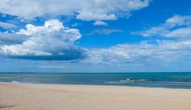 praia do céu azul Fotografia de Stock