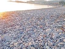 A praia do cascalho Imagens de Stock