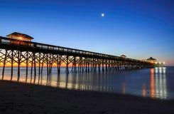 Praia do insensatez de Charleston South Carolina Fishing Pier Fotografia de Stock Royalty Free
