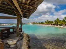 Praia do Mambo - camas da massagem Imagens de Stock Royalty Free