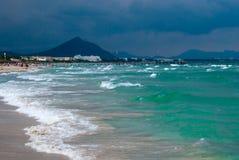 Praia do mar Mediterrâneo e do Majocra Imagem de Stock Royalty Free
