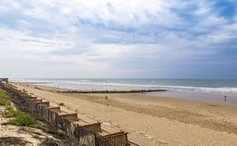 Praia do oceano na costa atlântica de França perto do Lacanau-oceano, Foto de Stock