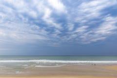 Praia do oceano na costa atlântica de França perto do Lacanau-oceano, Fotos de Stock