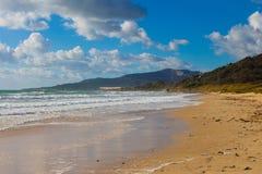 Praia do oceano na Espanha Imagem de Stock