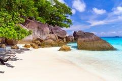 Praia do paraíso de ilhas de Similan Fotografia de Stock