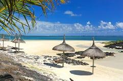 Praia do paraíso e o oceano Imagem de Stock Royalty Free