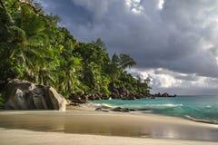 Praia do paraíso no georgette do anse, praslin, seychelles 40 Fotografia de Stock