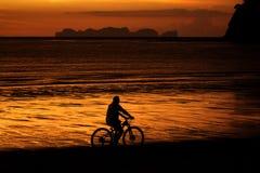 Praia do por do sol Imagem de Stock Royalty Free
