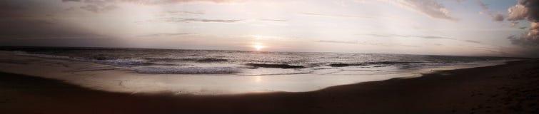 Praia do por do sol de França foto de stock