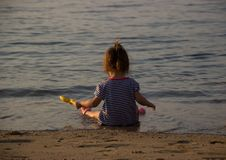 Praia do seasiut da menina foto de stock
