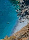 Praia dos nudistas na ilha do astypalaia em Grécia Fotografia de Stock Royalty Free