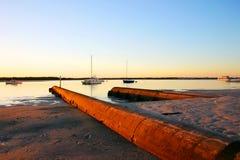 Praia dourada da manhã imagem de stock