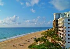 Praia e edifícios de Florida Fotografia de Stock Royalty Free