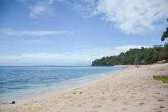 Praia e ele lugar do ` s foto de stock