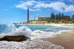 Praia e farol de Maspalomas Gran Canaria, Ilhas Canárias imagem de stock royalty free