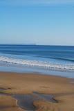 Praia e mar Foto de Stock Royalty Free