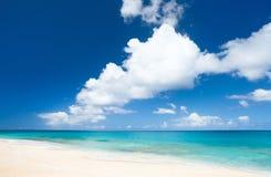 Praia e mar das caraíbas fotos de stock