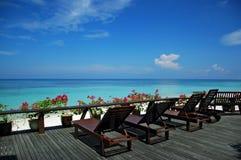 Praia e mar tropicais Imagens de Stock