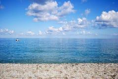 Praia e mar tropical Calabria, Italia Foto de Stock Royalty Free